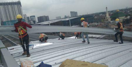 Menlu Jepang Tinjau Proyek MRT, Pemasangan Atap Utomodeck Dua Stasiun Hampir Rampung