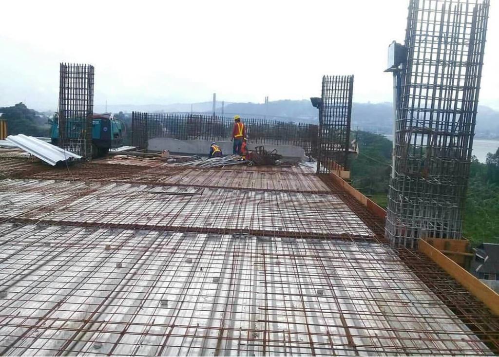 Proses Pemasangan Utomodecking Pada Proyek RSUP Ambon